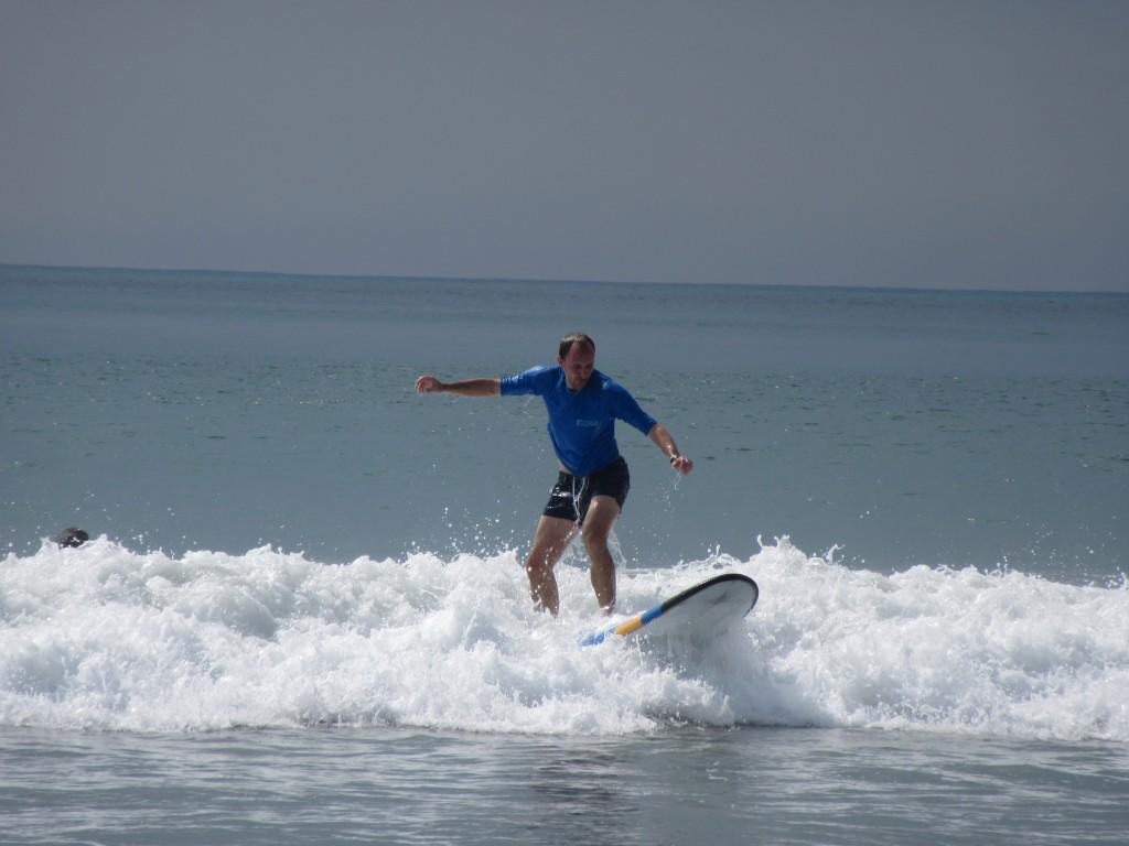 Tobi-beim-Surfen-in-Kuta